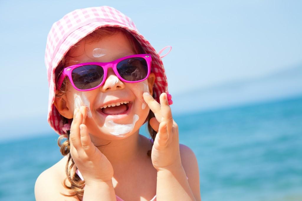 2.-I-migliori-occhiali-da-sole-per-bambini